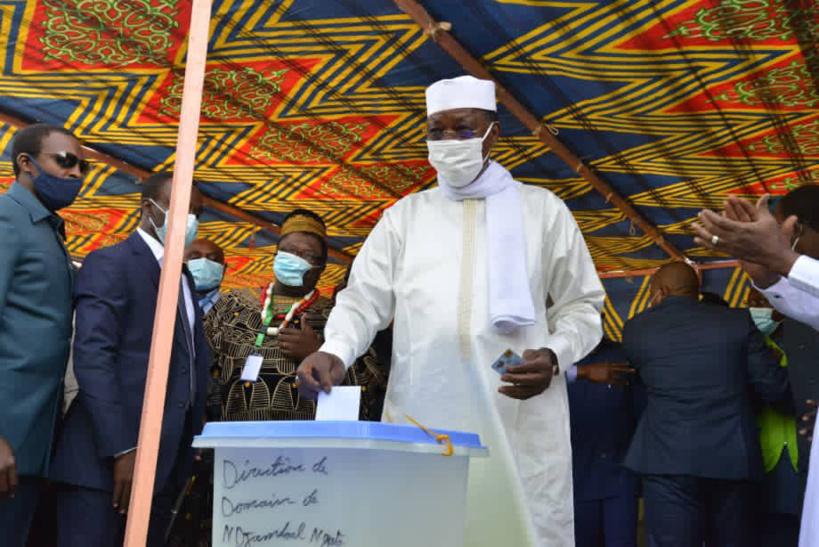 Élections au Tchad : le candidat Idriss Deby a voté à N'Djamena
