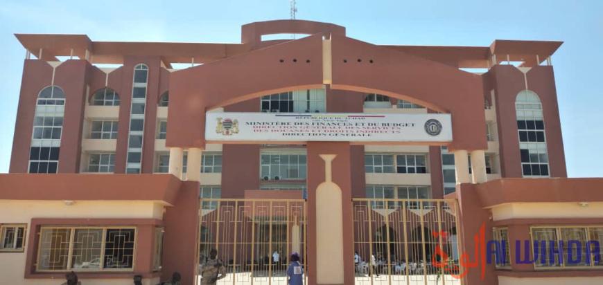 Le siège de la direction générale des douanes et droits indirects à N'Djamena. © Ben Kadabio