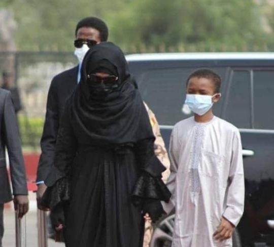 Tchad : la Première Dame Hinda Deby présente aux obsèques