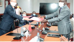 Coopération : La Chine offre 25 milliards FCFA au Cameroun