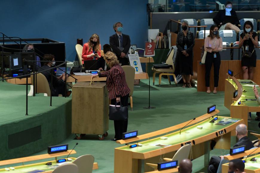 Cinq pays ont été élus par l'Assemblée générale pour servir comme membres non permanents du Conseil de sécurité en 2022 et 2023. © ONU/Evan Schneider