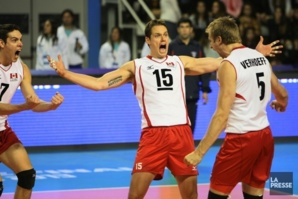 Le Canada bat la Russie en volleyball