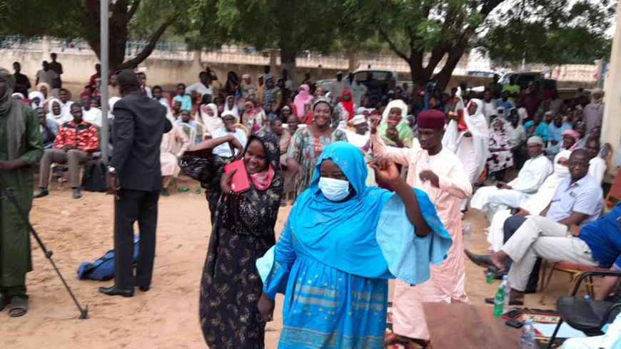 Tchad : la ville d'Ati honore la préfète sortante du Batha Ouest
