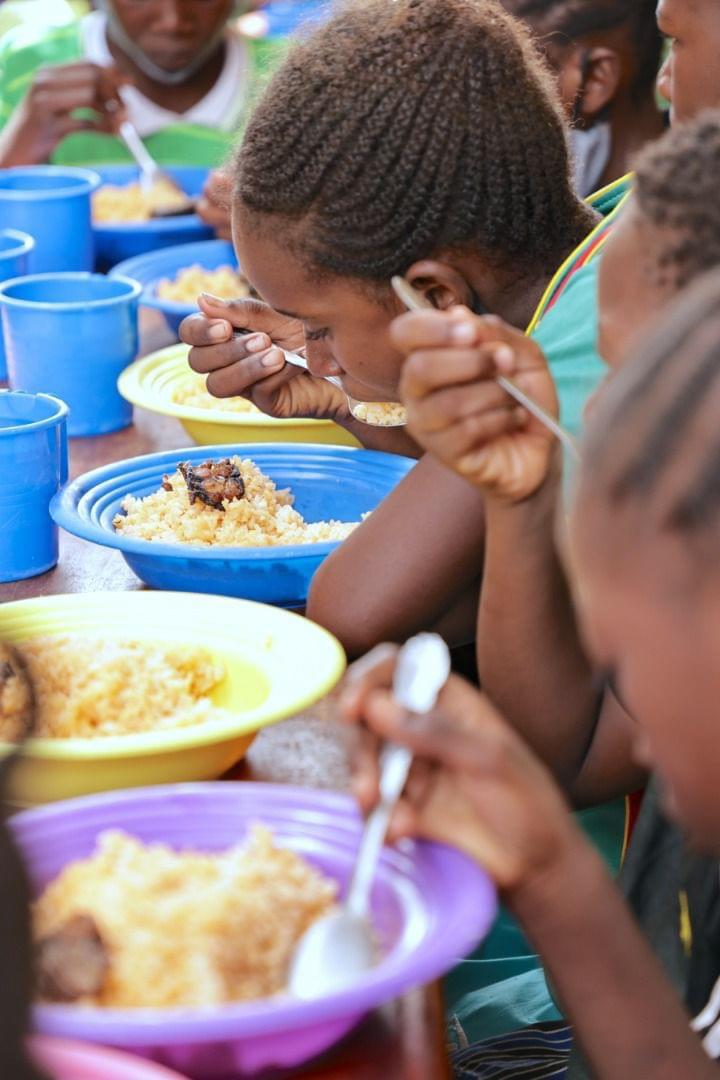 Le Burkina Faso veut assurer à chaque écolier, au moins un repas équilibré par jour. © Pr/Burkina