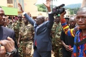 Djotodia dans les rues de Bangui peu après la prise de pouvoir par la Séléka. Credits photos : Diaspora Media