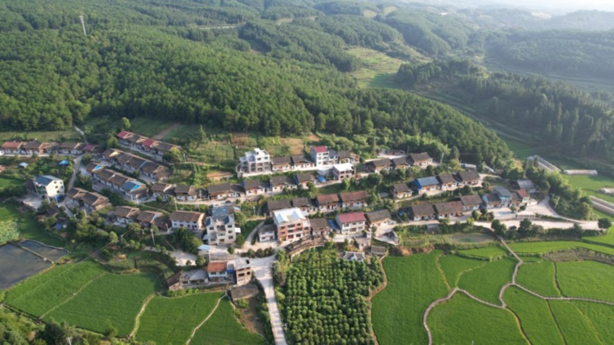 Photo taken on July 14, 2021 shows a resettlement site for residents in Xinhuasuo village, Jinping county, southwest China's Guizhou province. (Photo by Li Bixiang/People's Daily Online)