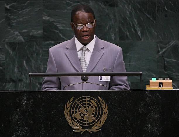 Basile Ikouebe désigné haut représentant de l'UA pour le Tchad