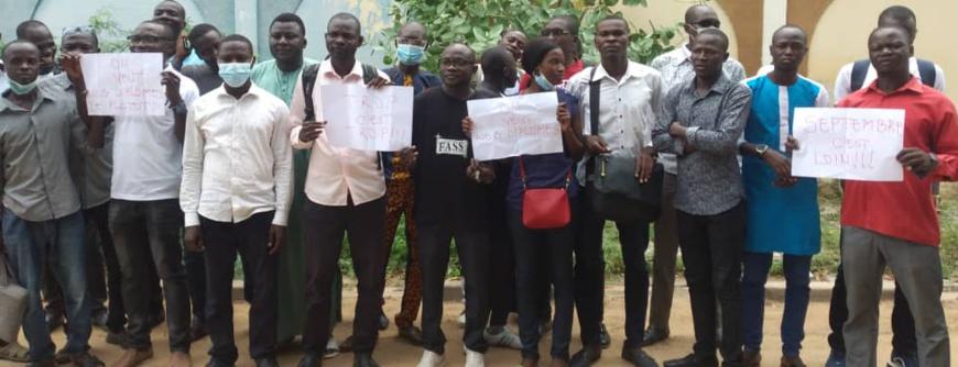 Tchad : des étudiants en fin d'études de médecine exigent la remise des diplômes
