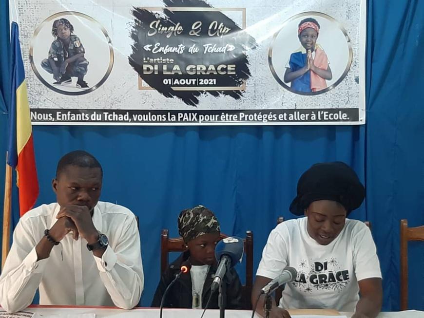 """La jeune rappeuse Di la Grâce lance son single et clip """"Enfants du Tchad"""". © Brahim Abderaman/Alwihda Info"""