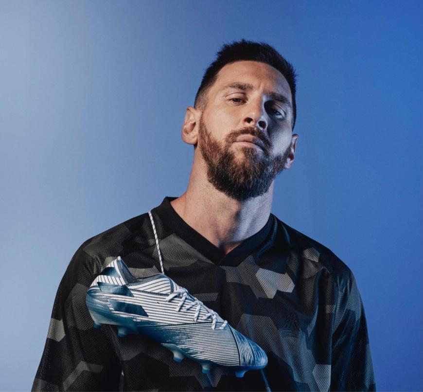 Football : Lionel Messi s'engage avec le PSG