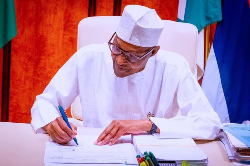 Nigéria : le président Buhari met fin aux fonctions de deux ministres
