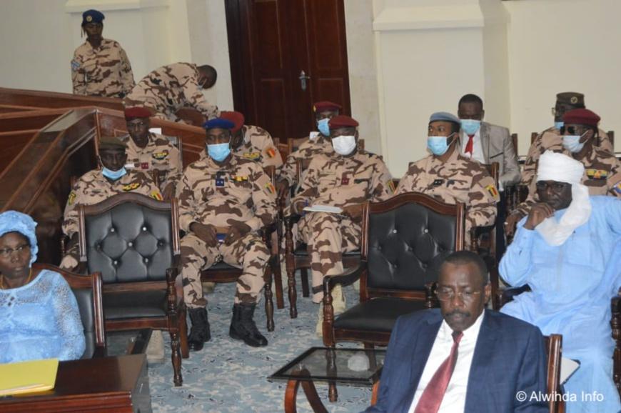 """Tchad : le ministre de la Défense accuse des """"grands pays"""" d'avoir """"tué le Maréchal"""""""