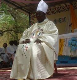 Tchad : L'évacuation tardive de l'archevêque Monseigneur Ngartery remise en cause