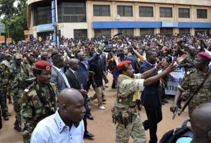 Djotodia parade dans les rues de Bangui lors de son arrivé au pouvoir. Crédit photo : Sia Kambou