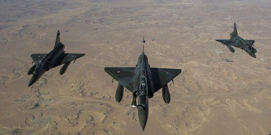 Des Mirage 2000 en vol vers le Tchad depuis leur base de Nancy, le 12 janvier 2013. | AP/Richard Nicolas-Nelson