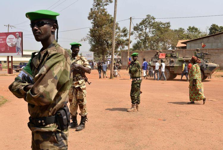 Des soldats tchadiens de la Misca, à Bangui, lundi.  (Photo Miguel Medina. AFP)