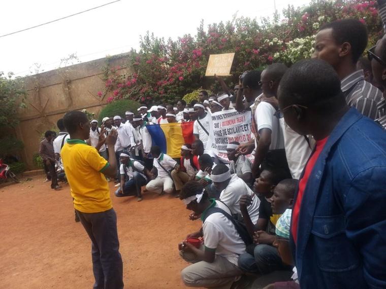 Burkina Faso : Imposante marche des étudiants tchadiens