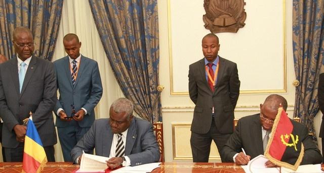 Signature des instruments juridiques entre l'Angola et le Tchad. Crédit photo : Sources
