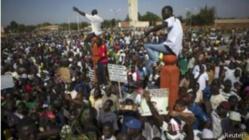 Burkina Faso: Le parlement saccagé et le vote annulé
