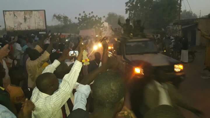 Entrée triomphale de l'armée tchadienne à Kousseri, au Cameroun. Crédit photo : David Wanedam