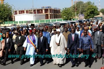 """Tchad : Pari réussi du Premier ministre pour la """"marche républicaine"""""""