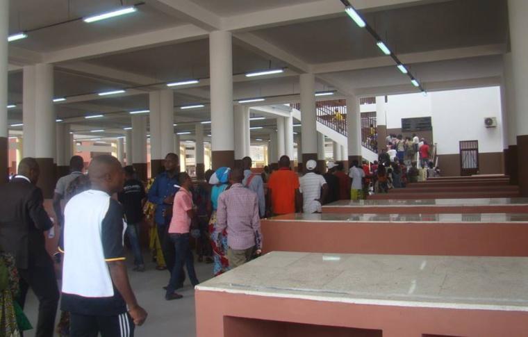 Brazzaville : Liesse populaire à Bacongo, après la mise en service du 1er module du marché total