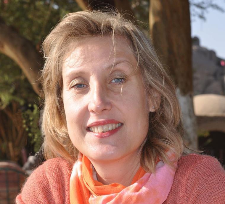 Livre: La française Cara Vitto publie «LE SORCIER BLANC »