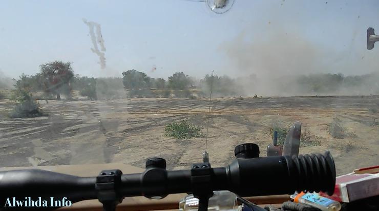 Un blindé de l'armée tchadienne essuie des tirs de Boko Haram lors d'un affrontement en face à face. Alwihda Info