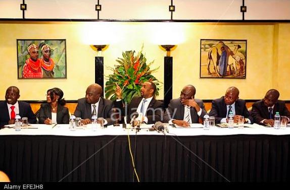 Conférence de presse entre les responsables de SÉLÉKA et des Antis-Balaka juste après la signature de l'accord de Paix à Nairobi (Kenya) pour la 3ème transition en Centrafrique