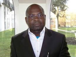 Tombi à Roko Sidiki, le nouveau président de la Fédération camerounaise de football.