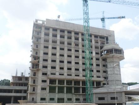 Un immeuble en construction à Yaoundé.