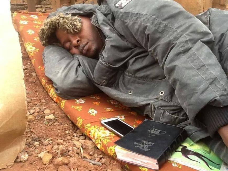Delor Magellan Kamseu Kamgaing,president de la ligue camerounaise des consommateurs lors de sa grève de la faim contre la hausse du prix d'électricité