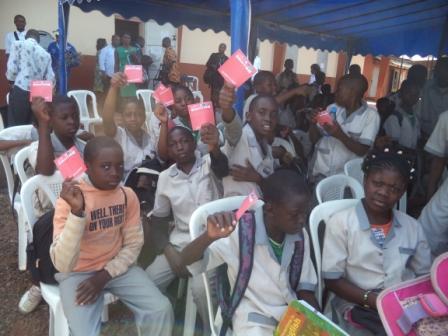 Des élèves du lycée Leclerc de Yaoundé.
