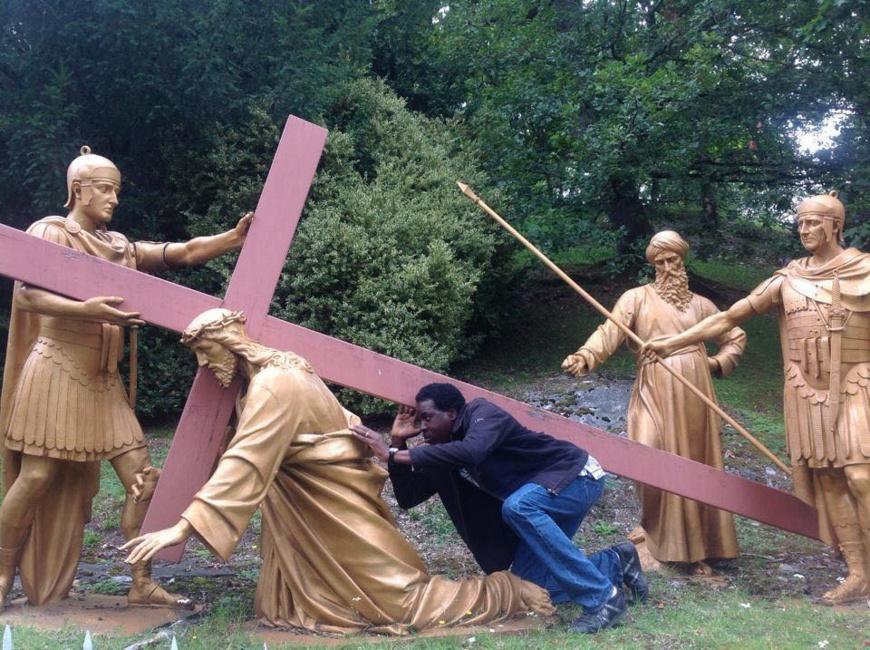 Comment Fidèle Gouandjika porte déjà la croix de l'Archange TOUADERA