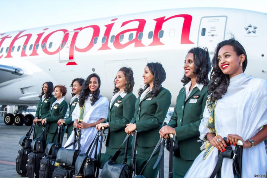 Ethiopian Airlines female crew members. Crédit photo : Sources