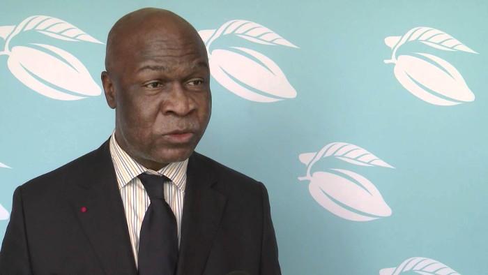 « Quant à une création d'un parti politique, j'ai déjà dit et je le redis que je ne le souhaite pas et je pense que ce n'est pas une histoire de parti politique qui va faire développer le Cameroun ».