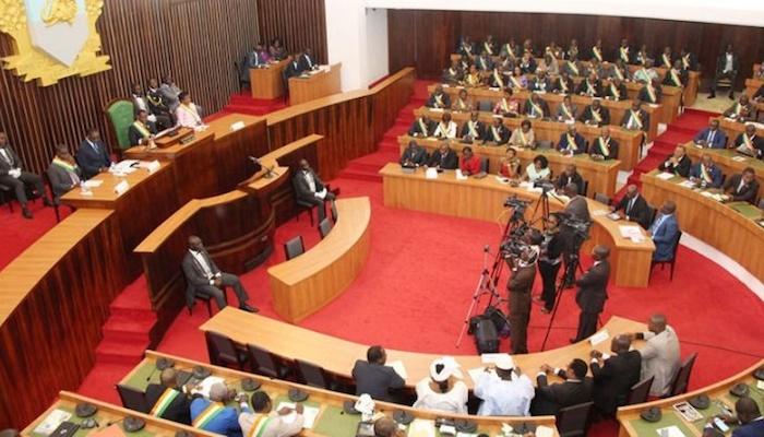 Côte d'Ivoire : Le ton monte entre le pouvoir et l'opposition au sujet du projet de nouvelle constitution