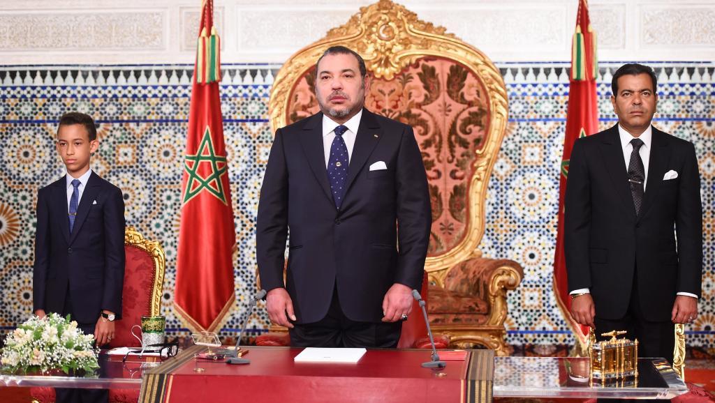 Le roi Mohammed VI lors de son discours célébrant le 16e anniversaire de son accession au trône, le 30 juillet 2015. © AFP PHOTO / HO/ MOROCCAN ROYAL PALACE