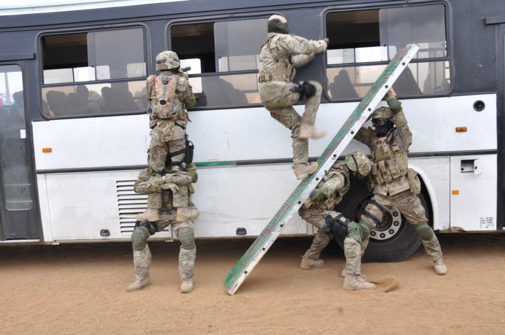 Des démonstrations au salon International de la Sécurité et de la Défense, Shield Africa qui a eu lieu à Abidjan cette année. Crédit photo : Shield Africa