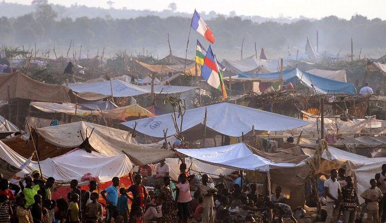 Un camp de réfugié près de l'aéroport de Bangui en 2014. Photo Sia Kambou. AFP