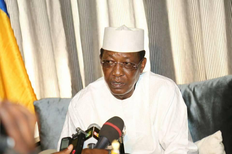 Idriss Déby accueilli à l'aéroport, en Guinée Conakry, vendredi dernier.