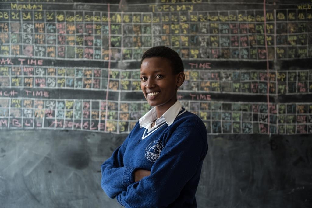 Enid Mbabazi est l'une des milliers de jeunes femmes et hommes qui aiguisent leurs compétences d'employabilité dans le projet Akazi Kanoze mené par EDC au Rwanda. APTE-Sénégal s'appuie sur le projet Akazi Kanoze mené par EDC au Rwanda, qui a permis à des milliers d'étudiants du Rwanda d'acquérir une formation professionnelle et un soutien é la transition de l'école au travail afin d'accroître leurs chances d'embauche - Intersect Jennifer Huxta pour The MasterCard Foundation
