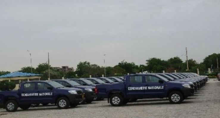 Cinquante véhicules offerts à la Gendarmerie Nationale. Crédit photo : Primature