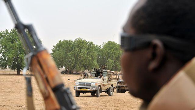 Des soldats tchadiens en patrouille le 8 mai 2009 au sud d'Abébéché. Photo d'illustration afp.com/GEORGES GOBET
