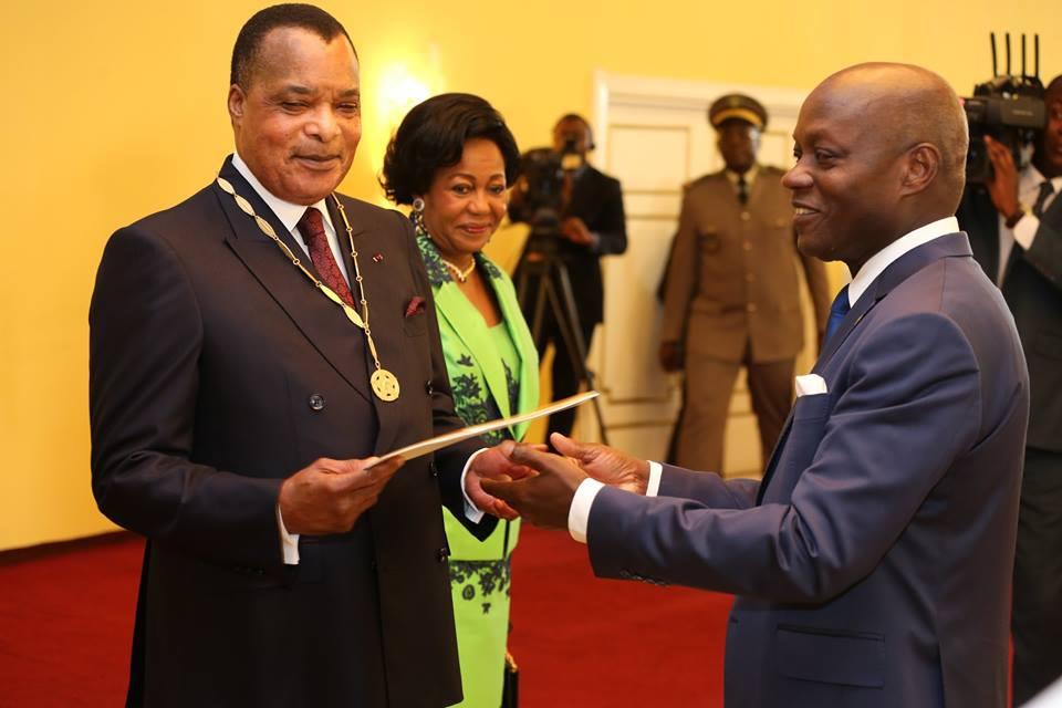Denis Sassou N'Guesso décoré par José Mario Vaz