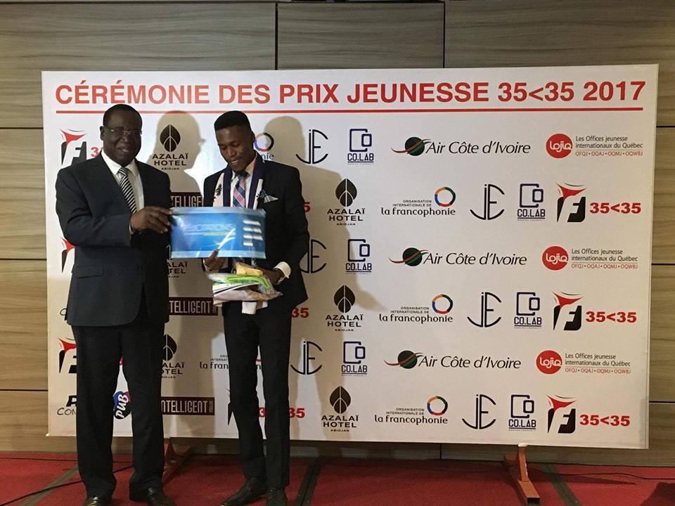 Michel Joseph remporte le Super Prix du Jeune Francophone de l'Année