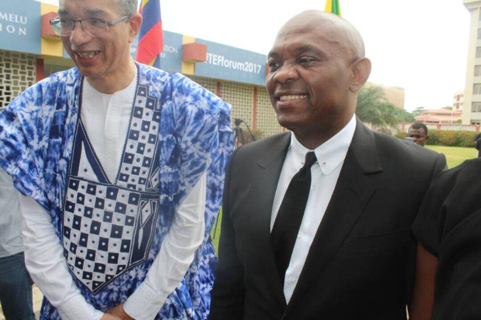 L'ancien premier ministre béninois, Lionel Zinsou et le président de la fondation TEF (droite). Crédits photo : AlWihda Info