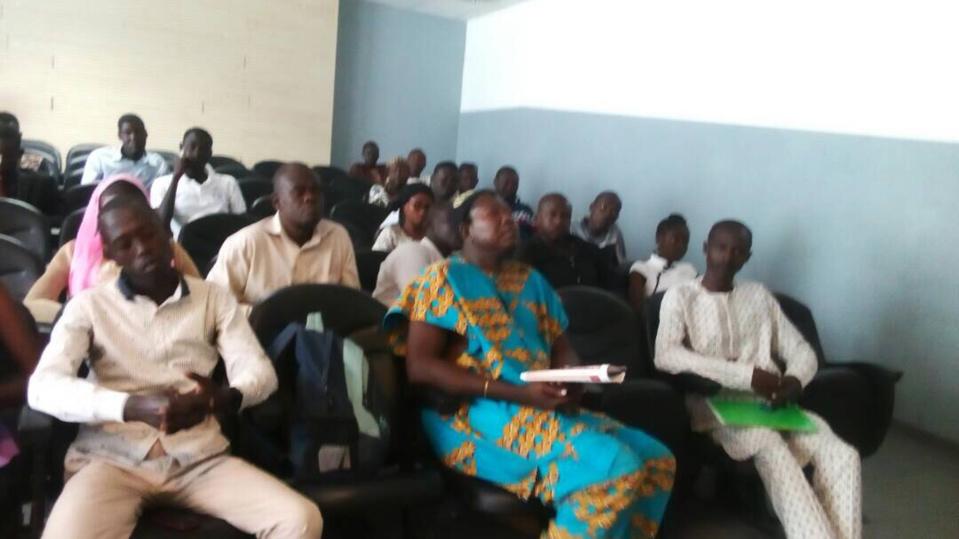 Le secrétaire exécutif de l'Association des Écrivains et Auteurs Tchadiens d'Expression Française (ASEAT), MBERNODJI SOSTHENE a animé, ce vendredi 20 octobre 2017, au Musée National de N'Djamena, une conférence de presse. Alwihda Info