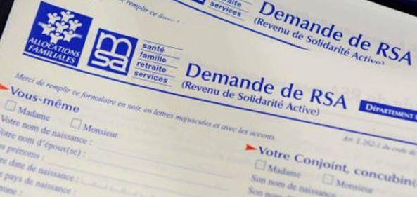 Immigration : Les allocataires du RSA qui séjourneraient plus de 3 mois dans leur pays d'origine pourraient perdre une partie de leurs allocations