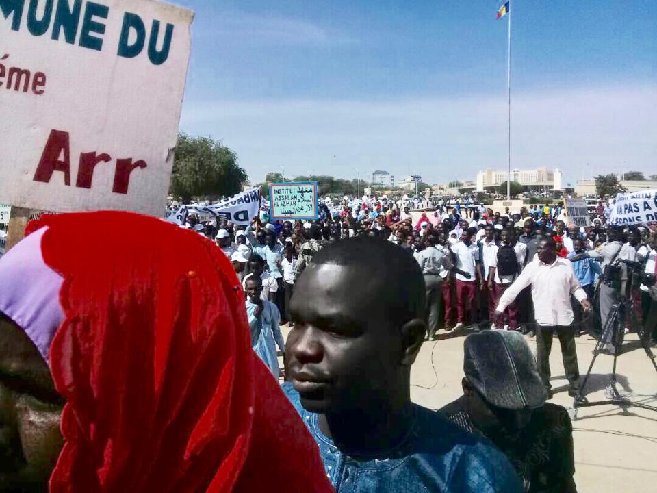 N'Djamena : « Stop aux ingérences des États-Unis » scandent des manifestants